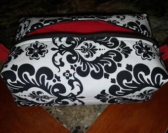 Damask Print Lined Makeup Bag