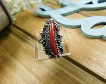 Beautiful Vintage Sterling Silver Coral Ring