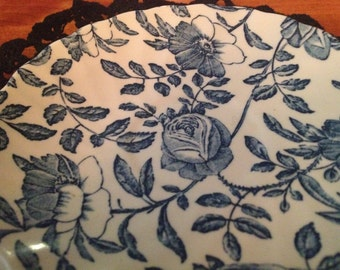 Beautiful made in England Blue and White Plate with Roses and thorns MADE IN ENGLAND