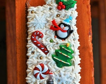 Decoden Christmas Phone Case {iPhone 5/5S}