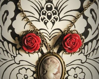 English Rose Cameo Necklace