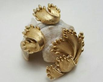TRIFARI Pin And Earrings Set