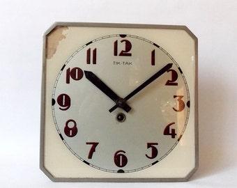 Vintage 1950s Kitchen wall clock/ Made in czechoslovakia/ Tik Tak /shabby chic
