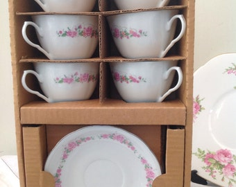 Really Pretty 1940s Vintage Liling Teacup Set, in Original Packaging, Perfect