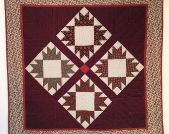 Charming bear paw wall hanging quilt