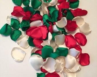 Christmas Rose Petals/Christmas Party Decor/Holiday Decorations/Red Rose Petals/Green Rose Petals/Winter Wedding/Christmas Bridal Petals