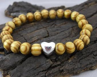 Bracelet heart heart and wooden beads