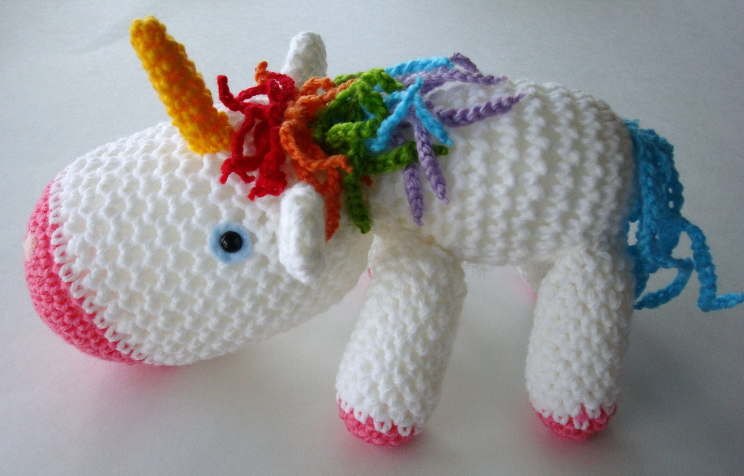 Unicorn Amigurumi Yarn Yard : Crocheted Unicorn Amigurumi Animal White and Pink Unicorn