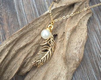 Feather Necklace - Boho Chic