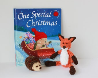 Crocheted Hedgehog & Fox; Beautiful Christmas and Winter Story Book; Stuffed Toys