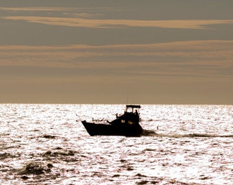 Boat Silhouette, returning to harbour