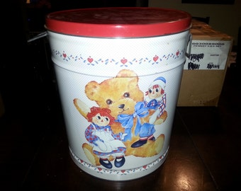 Raggedy Ann and Andy 5 gallon tin can