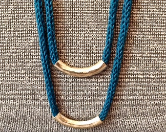 Light blu necklace