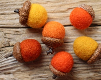 Autumn Needle Felted Acorns. Wool Acorns, Natural I Home Decorations l Set of 6