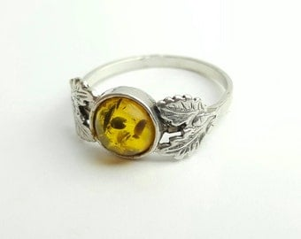 Vintage Sterling Silver Amber Tone Ring with Oak Leaf Accents- Size 8.5