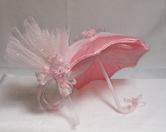 Satin pink with It's a girl ribbons