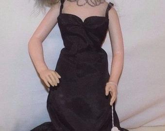 """Vintage 1982 Effanbee 17"""" Mae West Doll"""