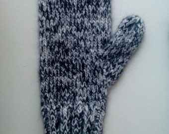 Alpaca/Mohair/Silk hand knitted mittens. Super soft and very warm.