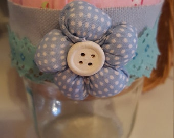 Pin cushion with storage