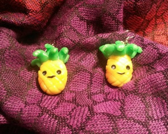 Pineapple dangly earrings