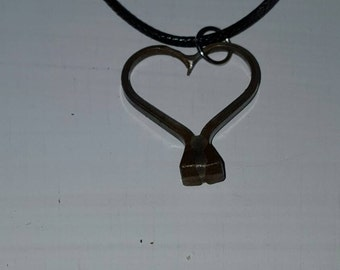 Horseshoe Nail Heart Necklace, NATURAL