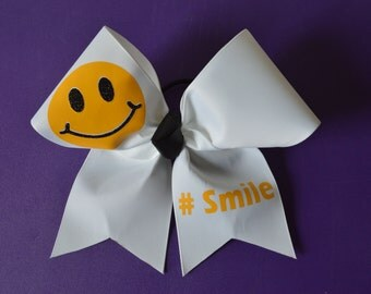 smile Cheer bow
