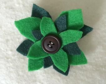 Flower pin, flower brooch, green brooch, green pin, bag pin, green flower, flower hat pin, felt flower brooch, felt flower pin