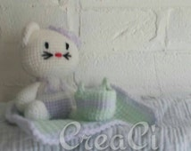 Hello kitty beach. Crochet hello kitty with towel and bag. Kitty is about 11 cm ready to ship
