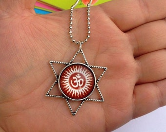 Necklace Hum background Red