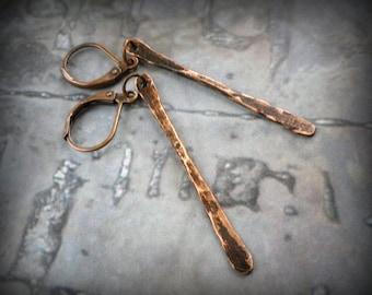 Copper dangle earrings, hammered copper earrings, simple earrings, minimalist earrings, antiqued copper earrings, rustic primitive earrings