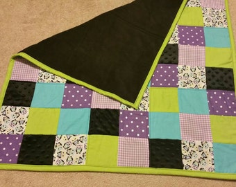 Owl - baby quilt- baby shower gift