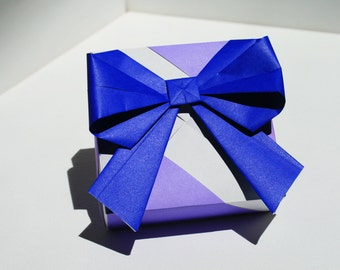 Origami Bow // Folded Paper Art // Gifts // Gift Wrap // Party Favors // Wedding Favors