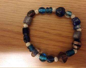Blue multicolor glass bracelet