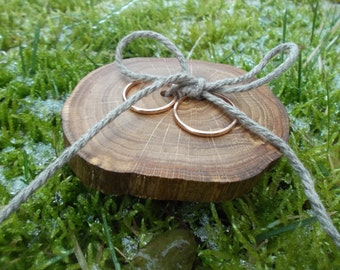 Rustic Ring Bearer Pillow, Wood Wedding Ring Bearer Slice, Rustic Wooden Ring Holder, Wedding Wood Slice, Wedding Decor, Wood Wedding Decor