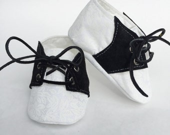 Baby Shoes, Crib Shoes, Baby Booties, Baby Girl Shoes, Baby Girl Booties, Handmade Baby Booties, White & Black Saddle Shoes.