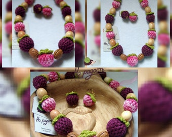 nursingnecklace raspberry - blackberry / tething toy / toddler / necklace for girl