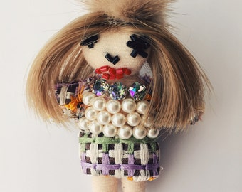 Anna Wintour in Chanel brooch