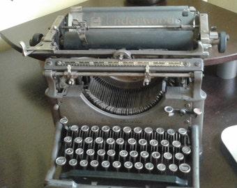 Typewriter underwood vintage