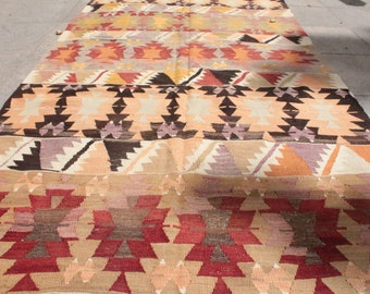 Kilim rug - 1960th handwoven traditional turkish kilim rug