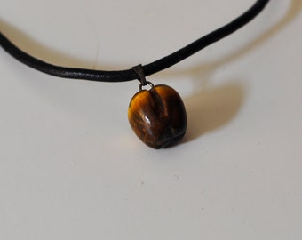 Necklace with Pendant in shape of Apple