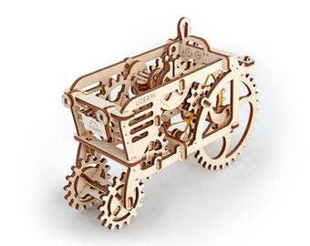 UGears Tractor mechanical wooden model KIT 3D puzzle Assembly, Self-propelled