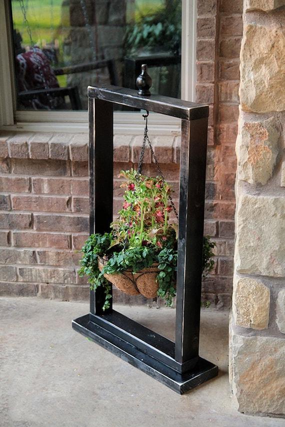 hanging basket wood stand hanging planter plant hanger. Black Bedroom Furniture Sets. Home Design Ideas