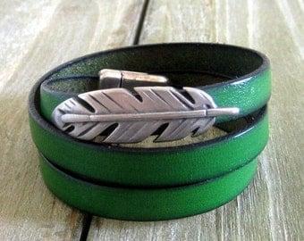 Bracelet leather green Boise, 3 rounds, clasp loving
