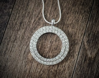 Necklace & pendant round