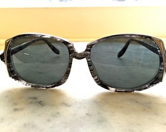 VINTAGE SUNGLASSES - RARE Neostyle black and silver frame