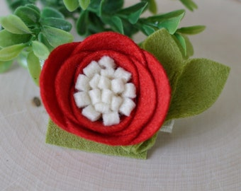 Poppy felt flower alligator clip