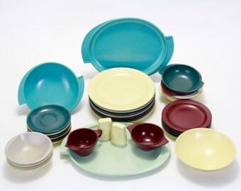 Bootonware Dish Set