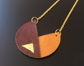 Geometric necklace, leather, gold chain