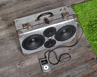 Boombox Boomcase upcycled vintage suitcase bluetooth speaker - Silver Beast