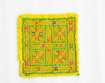 Kuchi vintage Square embroidery patch